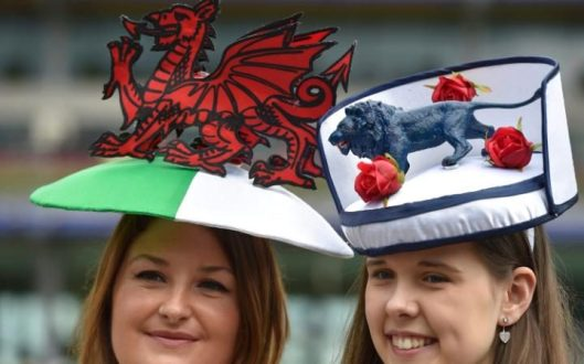 ladies day, asot , 2016, dragon_lion symbols of wales, uk, footie, telegraph