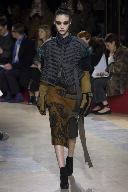 fall-a16-sacai-military-elements-jacket kt-detail-from-brading-vogue-
