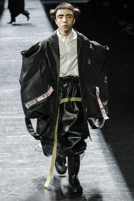hood-by-air-a16-gender-fluid-oversized-vogue-_arc0053