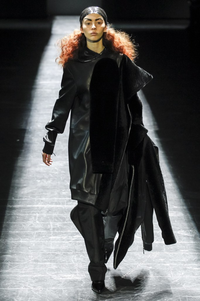 ood-by-air-f-16-gender-fluid-oversized-leather-vogue-