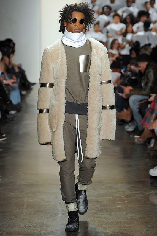 athleisure-men-layering-roll-nec-muted-colours-pyer-moss-12-pyer-moss-fall-2016-menswear