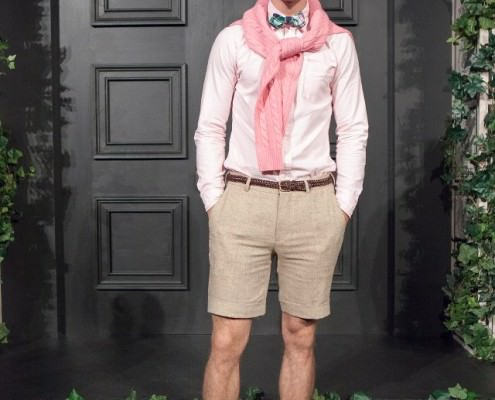 preppy-style-sweater-over-shoulder-gentlemans-gazette-a-la-j-press-495x400